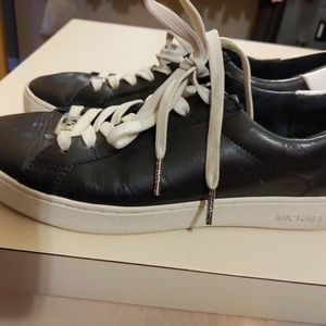 Micheal kors runners leather 7.5
